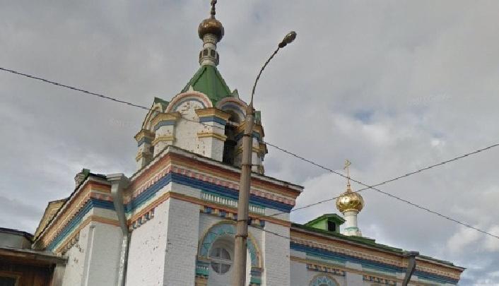 В Архангельске поймали парня, который изрисовал стены православного храма