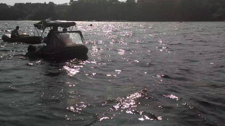 Спасатели задержали ярославцев, устроивших экстремальный заплыв через Волгу