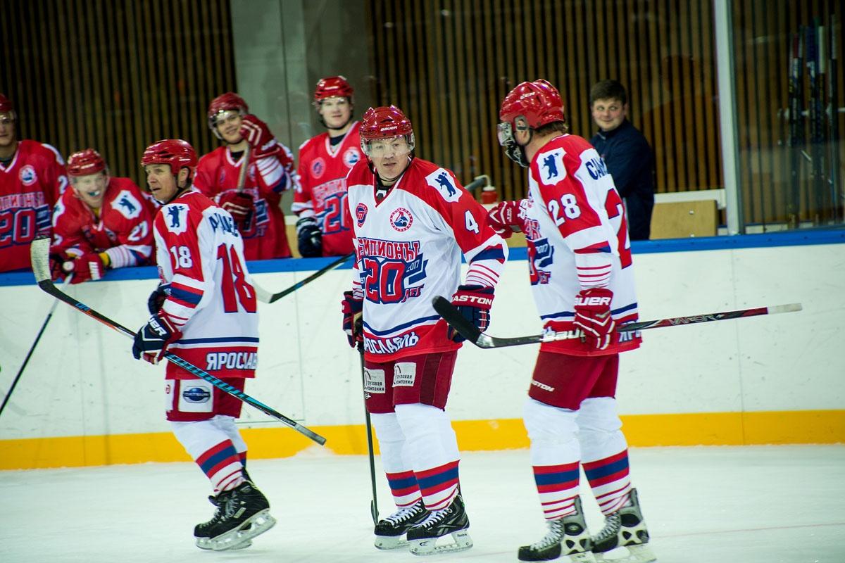 Дмитрий Красоткин сейчас тренирует молодежку