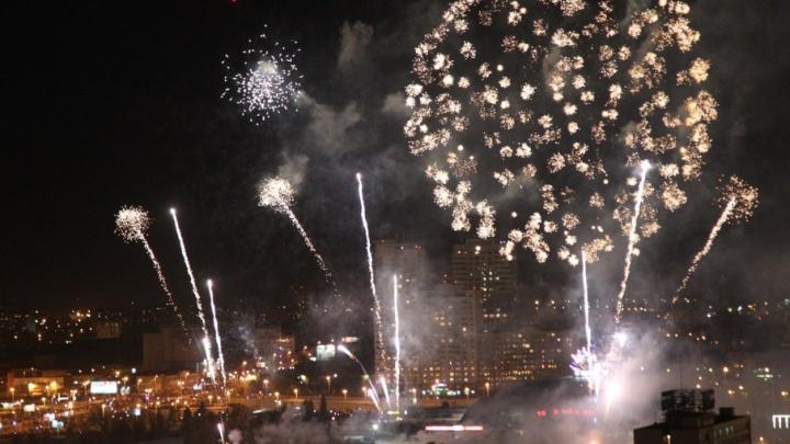 Три тысячи залпов – на ладони: в «Мегаполисе» откроют крышу на время салюта 9 Мая