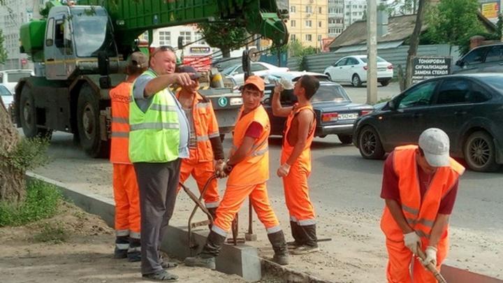 Волгоградцы жалуются на пробки из-за ремонта дороги на улице Елецкой
