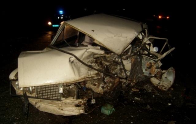Лобовое ДТП под Тутаевом: в «шестерке» раздавило водителя