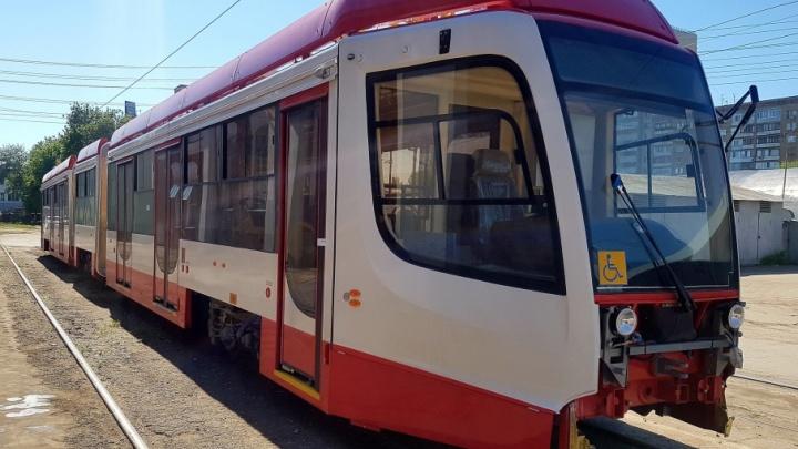 Автобусы и трамваи пустят в объезд: дороги у площади Куйбышева перекроют уже 1 июня