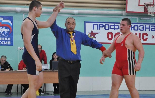 Поморские борцы взяли три награды на турнире в Калининграде