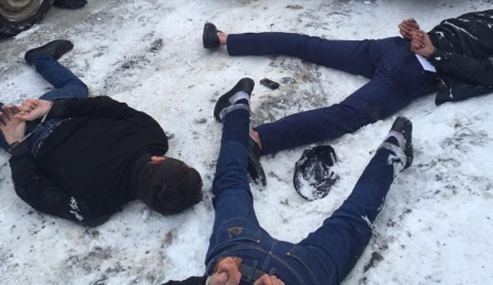 В Ростове полицейские открыли огонь, преследуя похитителей аккумуляторов