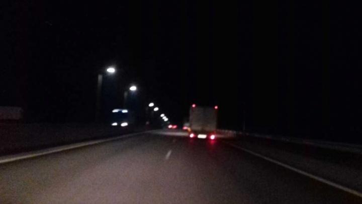Тушите свет: платный отрезок трассы М-4 «Дон» оказался погружен в полутьму