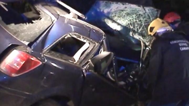 Появилось видео с места ДТП на Ракитовском шоссе, где «Опель» влетел в дерево