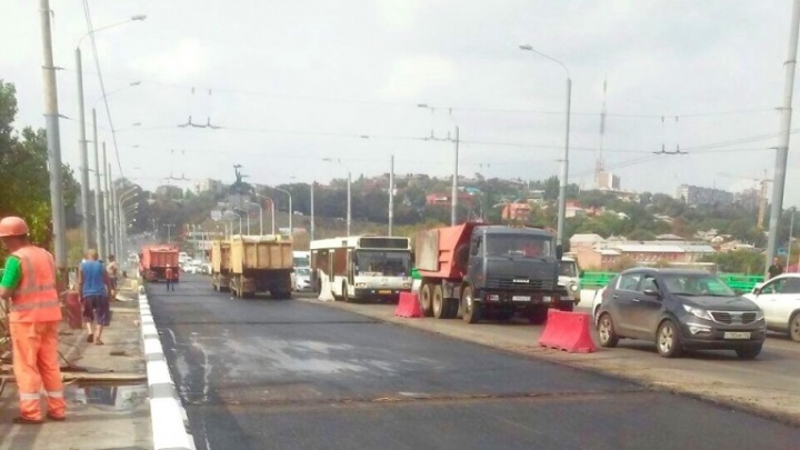 Движение транспорта по мосту Стачки откроют в ночь на 31 августа