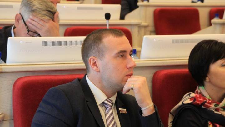 Депутат Архоблсобрания будет «выбивать» деньги на ремонт Новодвинского ГКЦ
