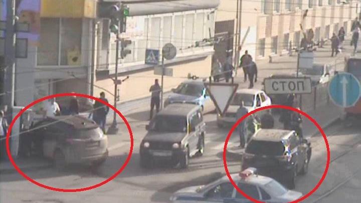 На улице Ленина из-за аварии на путях встали трамваи