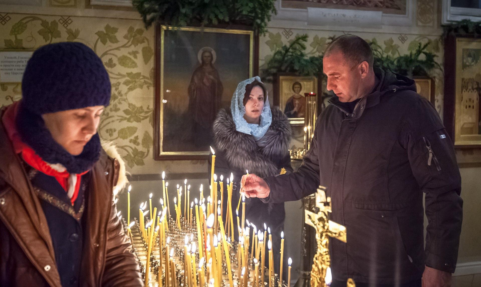 Рождественские богослужения стартовали в храмах Челябинска 5 января