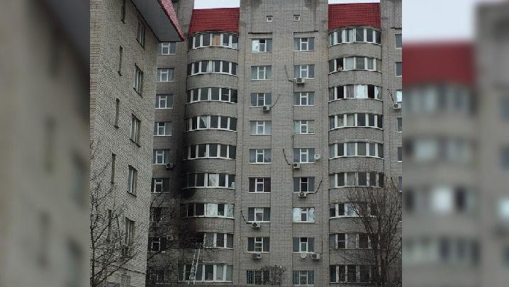 В Ростове из-за пожара в многоэтажке эвакуировали 50 человек