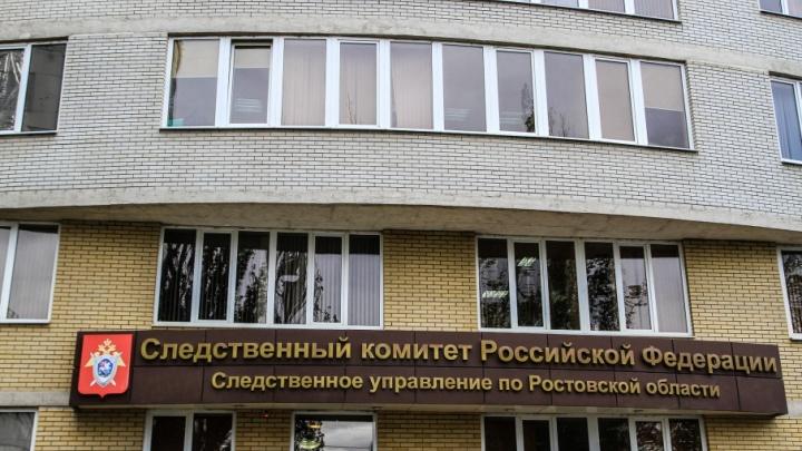 В подъезде жилого дома в центре Ростова жестоко убили человека
