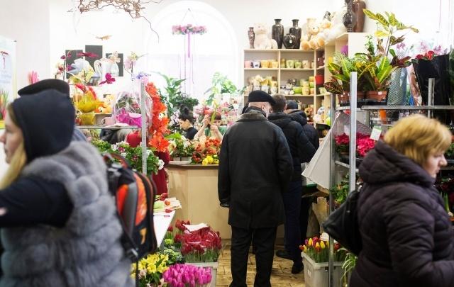 Мэр Ярославля запретил перед 8 Марта продавать цветы на улицах