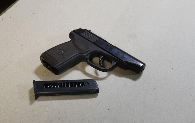 Гости ночного клуба Архангельска предпочитали отдыхать с оружием