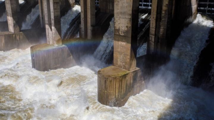 Волжская ГЭС заканчивает максимальный сброс воды