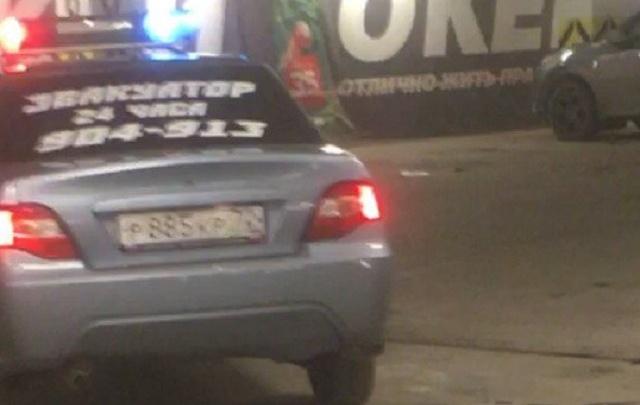 В Тюмени Daewoo Nexia разъезжала с мигалками ДПС: водителя найдут и лишат прав