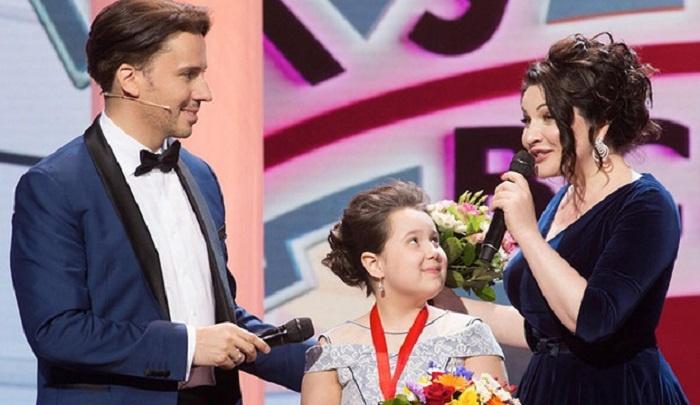 На телешоу «Лучше всех» юную певицу из Ростова взяли без кастинга