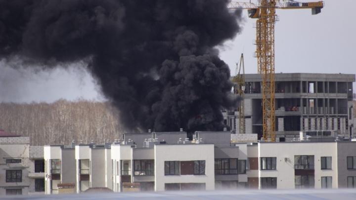 В ЖК «Ожогино» горел недостроенный четырехэтажный дом