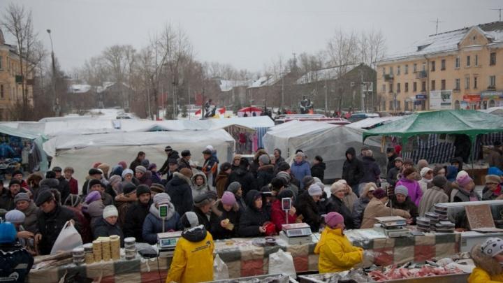 В Новодвинске мужчина попал под уголовку за экстремистские выкрики на рынке