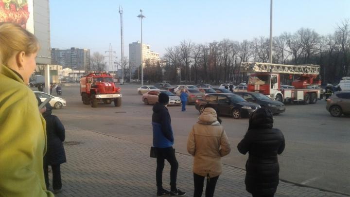 В Самаре из ТЦ «Парк Хаус» эвакуировали посетителей
