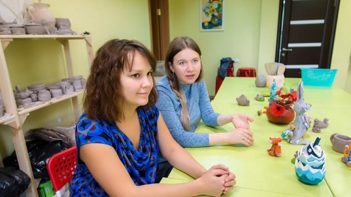 Бизнес в декрете: подруги-художницы открыли в Челябинске школу искусств для детей и их родителей