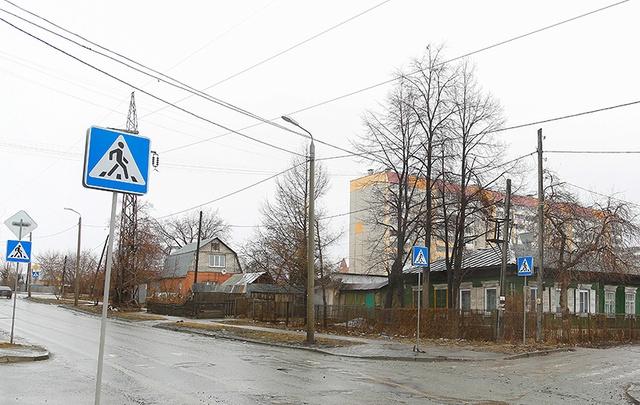 В Челябинске ищут водителя, удравшего от сбитого школьника
