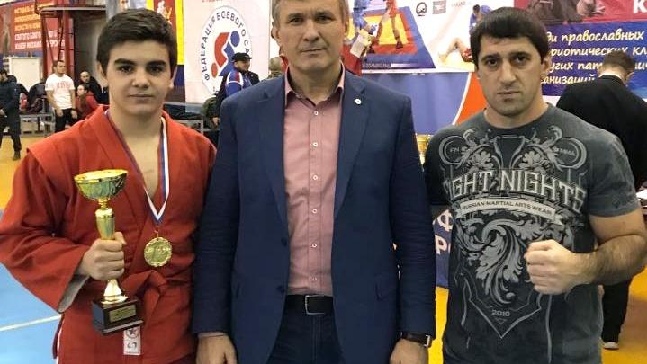 Юный самбист из Волгограда взял золото в схватке супертяжеловесов