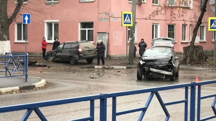 Аварийный перекресток Юных Пионеров — Каховская снабдят светофором