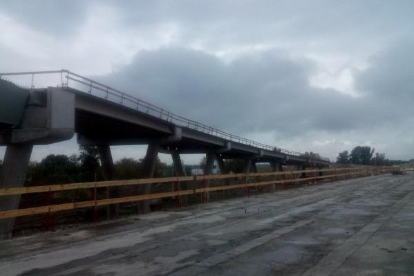 Южный въезд в Ростов готов на 53%
