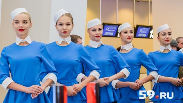 Любуйтесь: 12 фото красавиц, которые «открывали» новый терминал пермского аэропорта