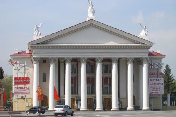Обсуждать кандидатуру нового режиссера чиновники хотят лишь через 40 дней после кончины Отара Джангишерашвили