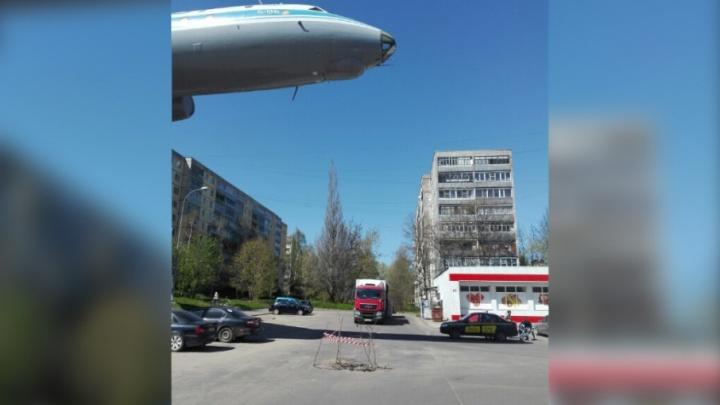 В Рыбинске под самолётом провалился асфальт
