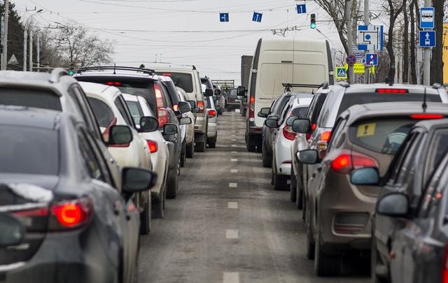 На Соколова и Шаумяна ограничат движение из-за ремонтных работ