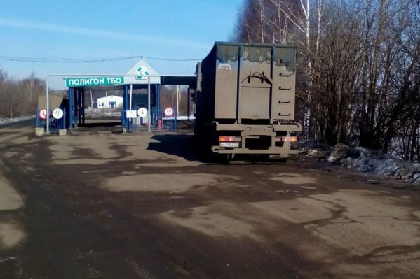 Мусоровозы с московскими номерами, приезжающие на ярославские свалки, уже не скрыть