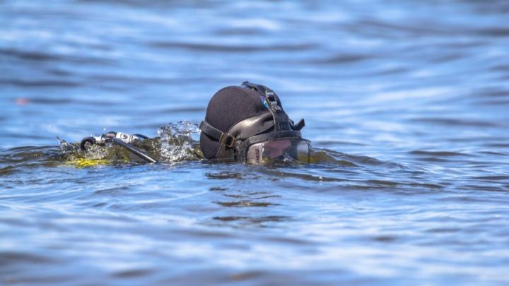 В затоне Поджабном водолазы искали пропавшего мужчину