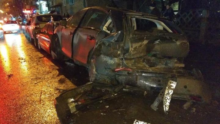 Собрал семь машин: водитель на «Хонде» устроил массовое ДТП в Ростове