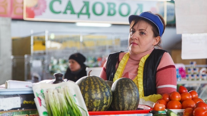 Торговцам с Ворошиловского рынка Волгограда предложили заключить договоры с новым хозяином