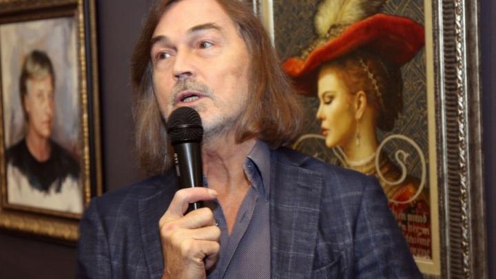 «Историю делаем мы»: в Самаре открылась персональная выставка Никаса Сафронова