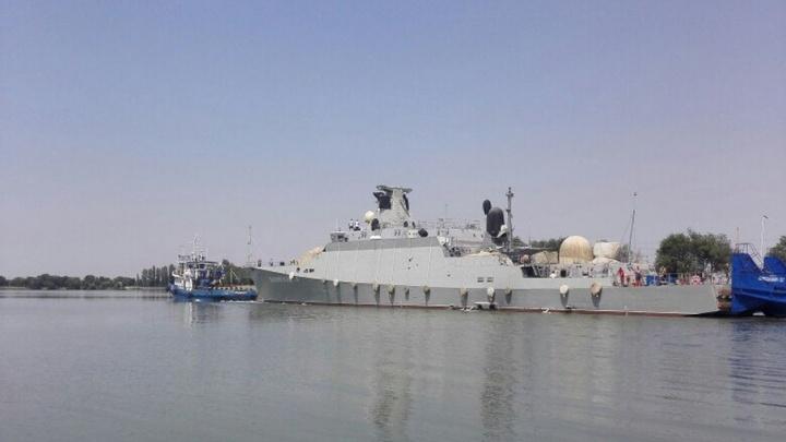 Мимо Волгограда прошел новый ракетный корабль Черноморского флота