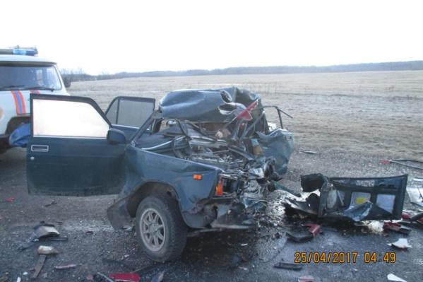 Медики не смогли спасти водителя ВАЗа