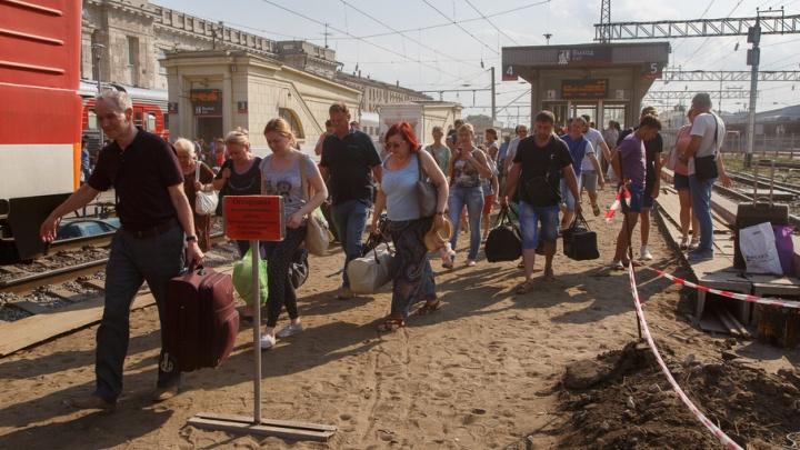 Разрушенные платформы вокзала Волгоград-1 шокируют гостей города-героя