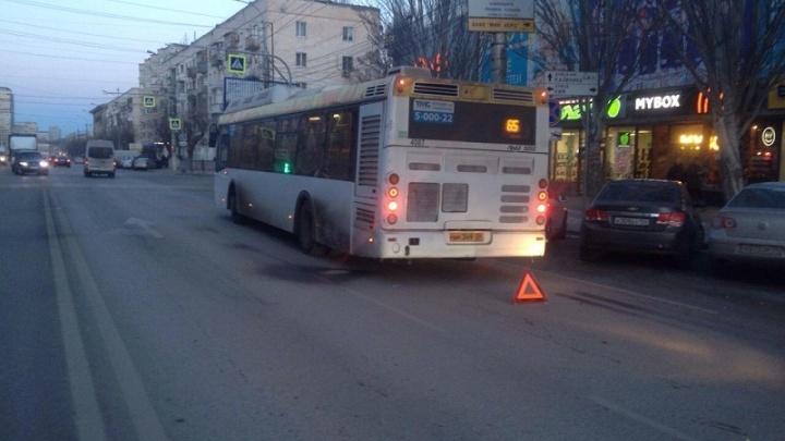 В Волгограде из-за хамки на дороге в больницу попал пассажир автобуса