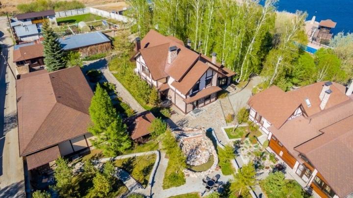 «Своя берёзовая роща»: в Челябинске самая большая усадьба продаётся за 60 миллионов рублей
