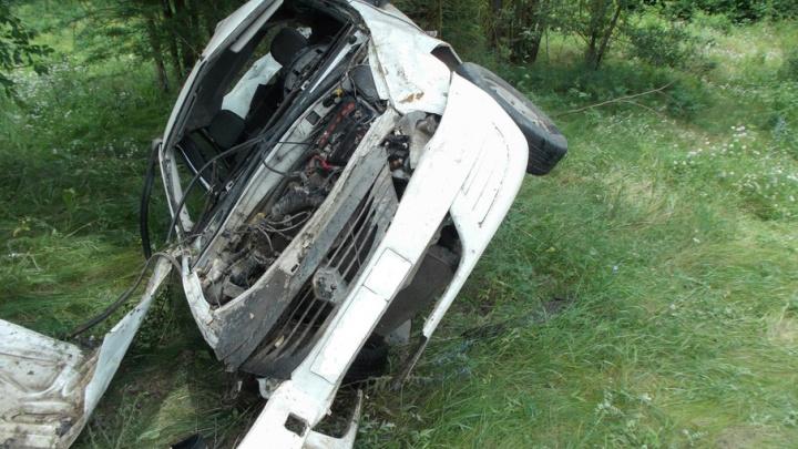 В Ростовской области водитель Renault перевернулся и разбился насмерть