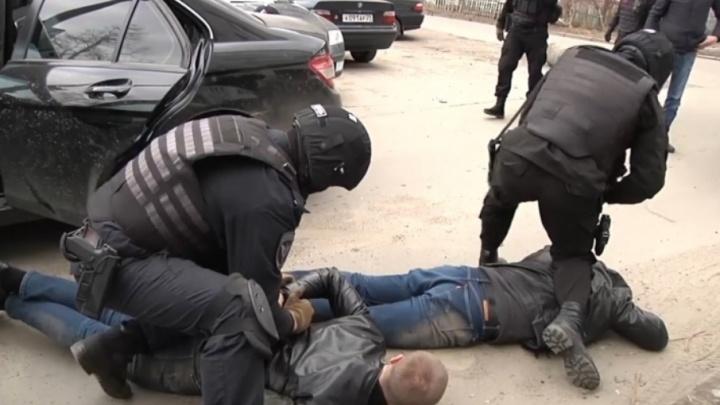Вымогатели в Архангельске прикрывались чужим авторитетом ради криминальной «зарплаты»