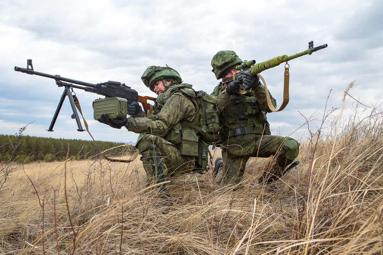 Военные одеты в новое обмундирование «Ратник»