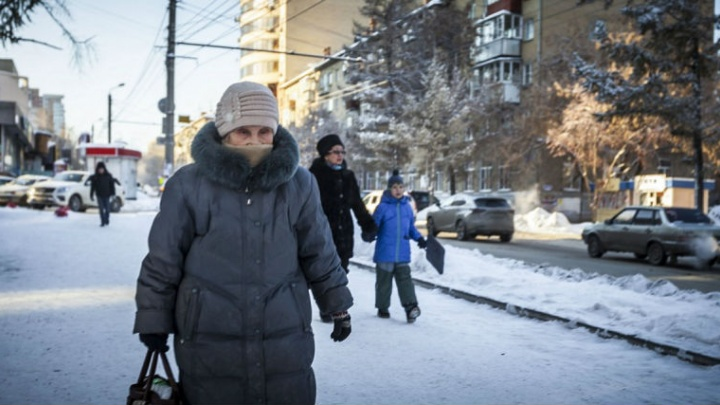 Не высовывайте носа: южноуральцев предупредили о морозах и смоге в новогоднюю ночь