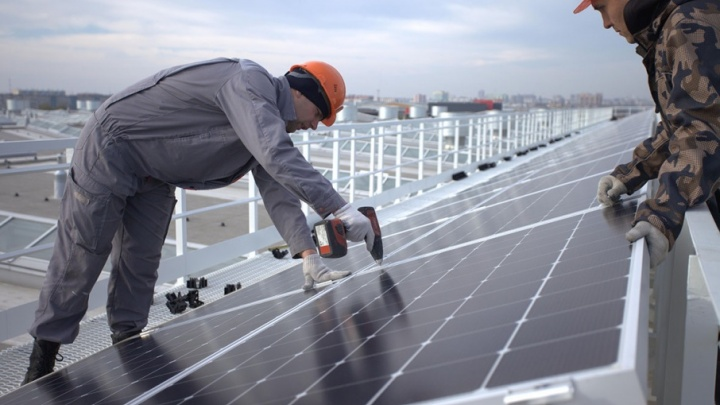 Киловатты с крыши: в Челябинске Путину покажут солнечную электростанцию