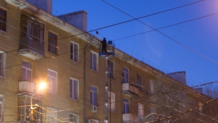 Расчистили от снега и наледи: в Самаре за сутки привели в порядок 511 крыш